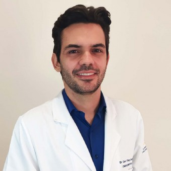 Dr. Caio Villaça