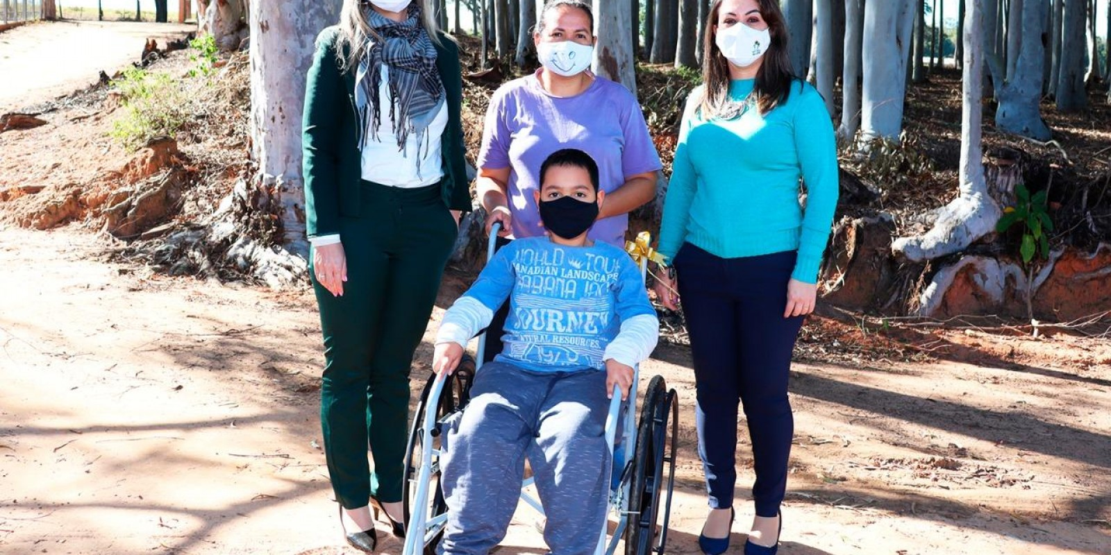 Centro Médico São José doa mais uma cadeira de rodas por meio da Campanha dos Lacres e Tampinhas de Plástico